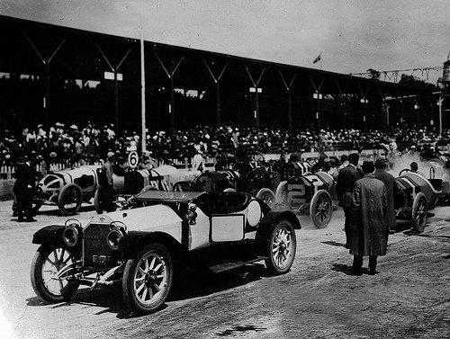 1912 voiture de securite stutz aux 500 miles d indinapolis