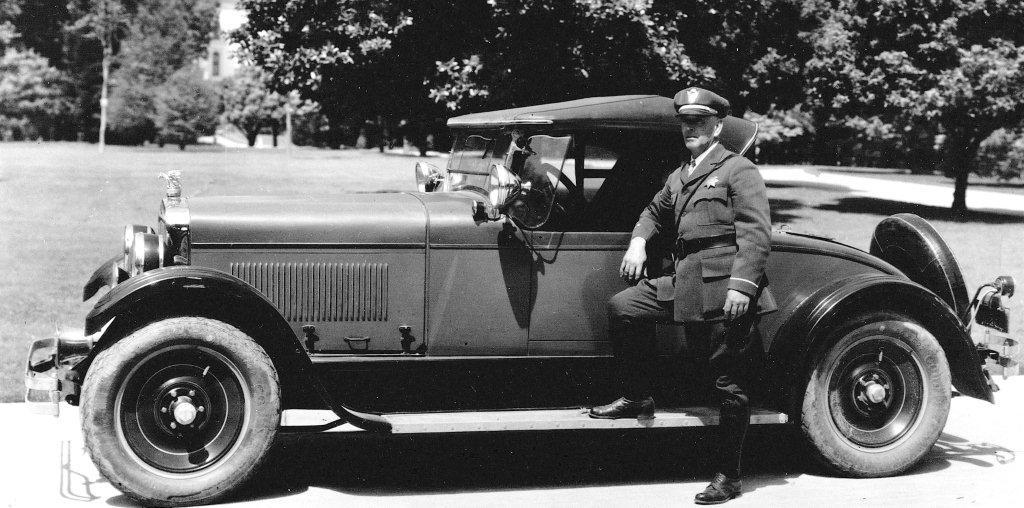 1926 inspecteur george moynahan et sa gardner 8b