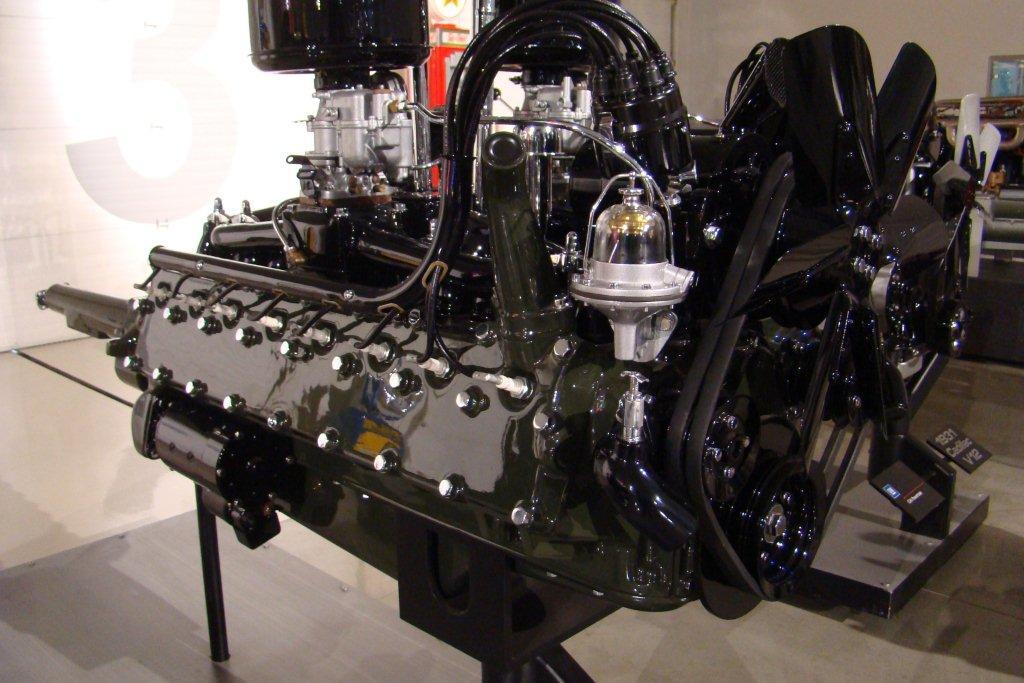 V on 1930 Cadillac V8 Engine